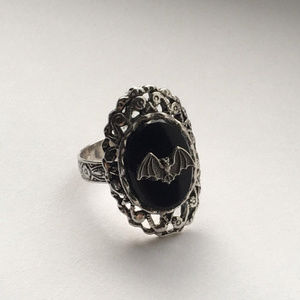 Jewelry - Faux onyx bat cameo ring